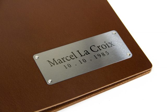 Laser Etching on Plaque for Leather Binder